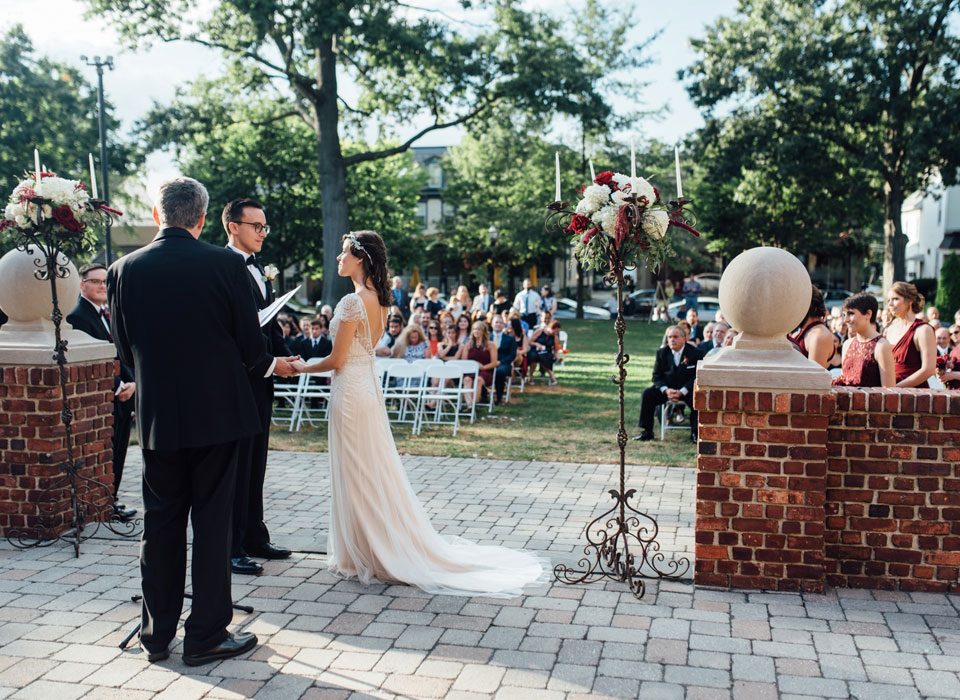 Outdoor wedding at Moorestown Community House